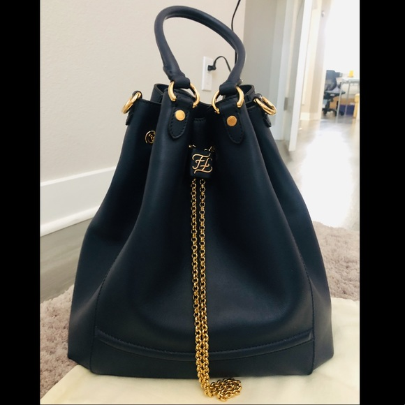 Fendi Handbags - 💯Fendi chain bucket bag 💼